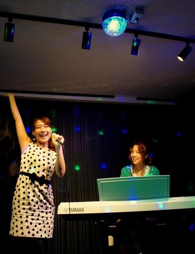 アモンボイスミュージックスクール名古屋     ボイトレ(ボイストレーニング)の成果をライブで!
